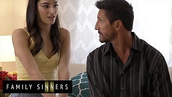 (Tommy Gunn) Fucks His Sexy Step Daughter (Emily Willis) - FamilySinners
