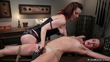 Lesbian anal fuck in pile driver lezdom