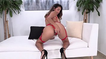 Mila Garcia double penetrated by 2 BBC NT029
