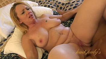 AuntJudys - Busty 46yr-old Brandie Sucks Cock & Gets Fucked 27分钟