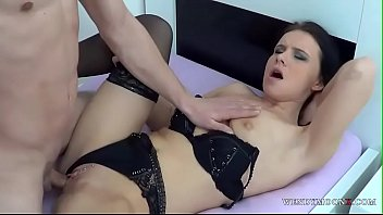 Wendy moon in bed with horny dude prepared to fill her pussy