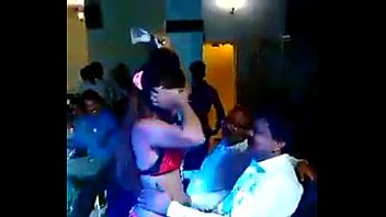 Hot Dance in Office party 2 min