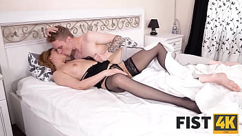 FIST4K. Man found loved woman relax and decided to fist the tushy 10 min