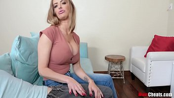 Mom Learns To Be A MILF- Linzee Ryder