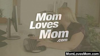 Mature housewife lesbian Amateur-mom loves housewife plus shag toys