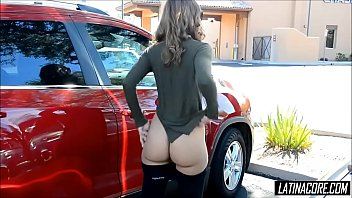 Beautiful Latina with perfect ass gets caught flashing in public - Latinacore.com