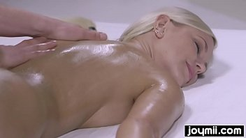wild fucking nuru massage with blonde perfection