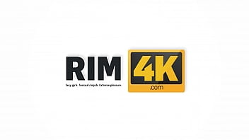 RIM4K. Model thinks a rimjob is exactly what the photographer wants