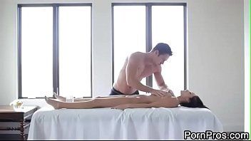 Breanne Benson - Massage Creep - Hot Oily Massage    Complete Video Here!!!      Http://taraa.xyz/17Vi