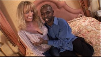 Big Tits Milf Making Porn Video For The 1St Time - Interracial Amateur Video