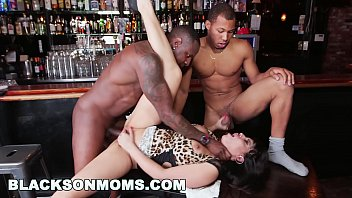 BLACKSONMOMS - Tag Teaming A Hot MILF Bartender (xa15201)