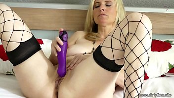 Mom comes for you - Hot Dildo Solo Show