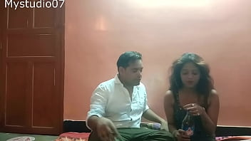 Indian Sexy Young Girl Having Sex With Home Delivery Boy