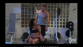 Female personal trainer porn Incredibly fit brunette milf seduces her personal trainer