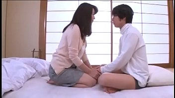 Cute Japanese Mom Teaches Her Son How To Eat Pussy | Complete Video Https://prnn.xyz/mom
