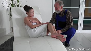 Old-n-Young.com - Anita Bellini - Old man cums into a fresh mouth