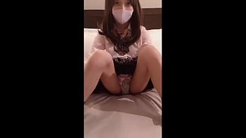 Japanese School girl (part1) Blowjob at the hotel.