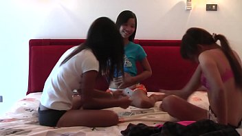 Video strip poker supreme 1 08 Lio, mee and nueng plays strippoker part i