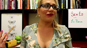 PREVIEW MY NERDY TEACHER IS A SLUT POV JESSIELEEPIERCE.MANYVIDS.COM SCHOOL MILF GLASSES CUM ON GLASSES STUDENT TEACHER CUM SHOT STOCKING SUSPENDERS BLONDE GIANT DILDO ANATOMY CLASS FEMALE LIVE SUBJECT FEMDOM DETENTION