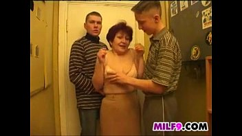Old Mom In A Threesome With Two Young Guys