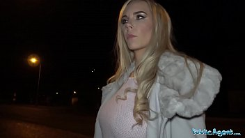 Public Agent Florane Russell Fucked in car and cum on her tits 8分钟