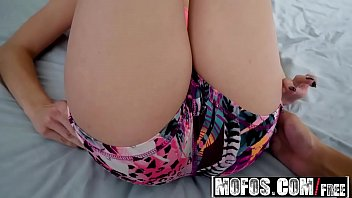 Mofos - Share My BF - (Cassidy Banks) - Blindfolded Jogger Threesome