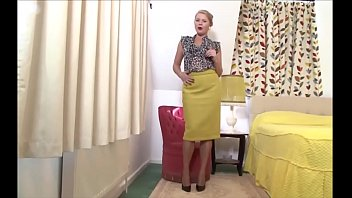 MILF fingering  - more cams on sweetcamgirl.top