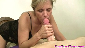 Goo loving cougar mama sucking dick