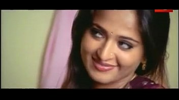 Anushka's Hot Scene From a Telugu Movie