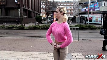 Vintage cycling sweater - Wonky chessie kay public pissing