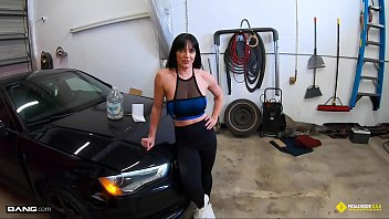 Mechanical sailing vintage watch Roadside - fit girl gets her pussy banged by the car mechanic