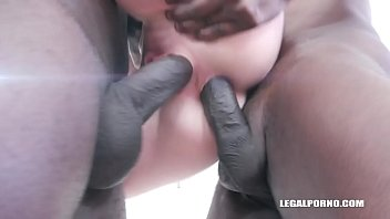 Nina Angel keeps enjoying black cocks IV339