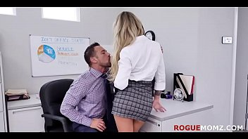 MILF teaches Intern how to be in BOSS's good books- Isabella Nice & Isabella Deltore