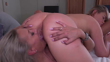 TEEN MILF Lesbian - Licking And Rimming