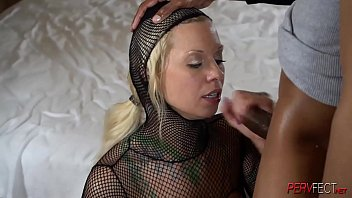 Painful anal for this white women