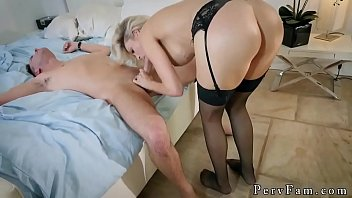 Mom lost poker and redhead milf fuck xxx Romantic Family Dinner