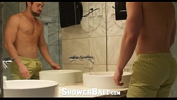 Lucas ward is gay Showerbait str8 griffin barrows fucked by gay friend aiden ward