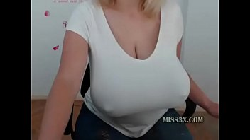 my huge tits under croptop for you make some fantasies porno izle