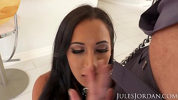 Drinking milk from her huge tits Jules jordan - amia miley is jules jordans slut puppy in 4k