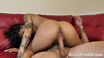 Horny Honey Gold rides and squirts