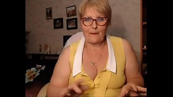 Granny on webcam - webcambabes7.com