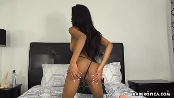 Solo masturbation with Nia Nacci, is heating up, in 4K