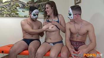 Ana teaches two greenhorns about THE ART OF THREESOME FUCKING A MILF