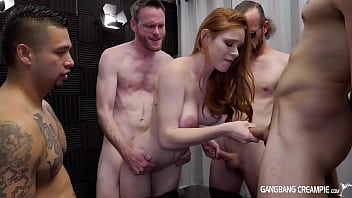 CoverSexy Redhead PAWG Gets LOADS of Special Sauce In Her PUSSY