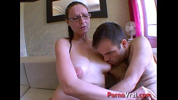 Horny mature lady impales herself on a boy'_s cock! French amateur
