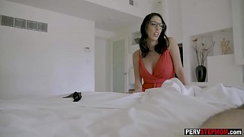 Pretty stepmom wanted a cock and he gave it to her