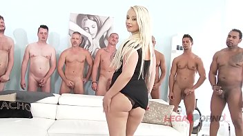 Big butt slut Bambi Bella gets her asshole destroyed during XXX gangbang