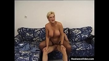 Short haired horny mature woman gets her old tight pussy pounded