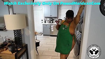 Huge Bbw STARBUCKS Worker Booty