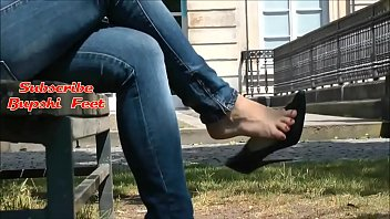 Candid Romanian Feet in Jeans High Heels Part 1- www.prettyfeetvideo.com